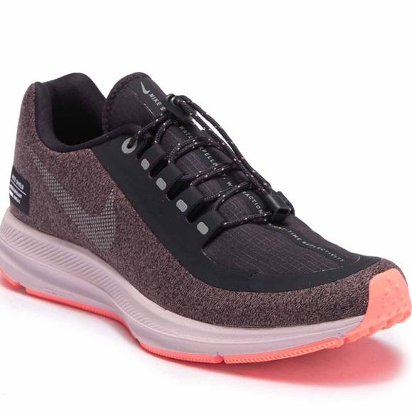 abrazo vistazo su  Nike Shoes | Nike Zoom Winflo 5 Run Shield Sneakers | Poshmark